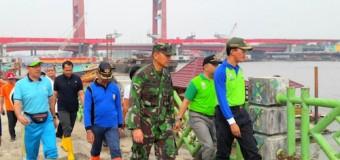 Semarak HUT TNI Ke-72, Kodim 0418/Palembang Gelar Gotong Royong dan Bakti Sosial