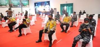 Usai Divaksin,2000 Personil TNI/ Polri Siap Bantu Pemerintah Tegakkan Prokes